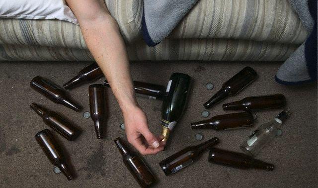 Como é o alcoolismo tratado